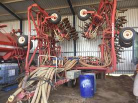 Morris  Seeder Bar Seeding/Planting Equip - picture0' - Click to enlarge