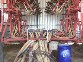 Morris  Seeder Bar Seeding/Planting Equip - picture1' - Click to enlarge
