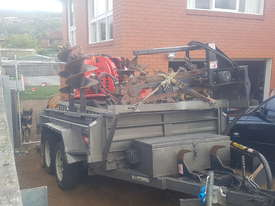Kanga DT835 & Tipper Trailer - picture3' - Click to enlarge