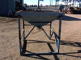 Feed bin suit filling bags etc. - picture1' - Click to enlarge
