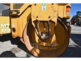 CATERPILLAR CB14B Vibratory Double Drum Asphalt - picture5' - Click to enlarge