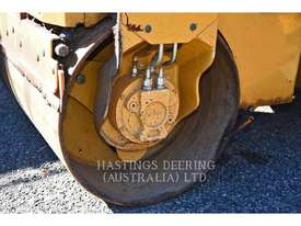 CATERPILLAR CB14B Vibratory Double Drum Asphalt - picture6' - Click to enlarge