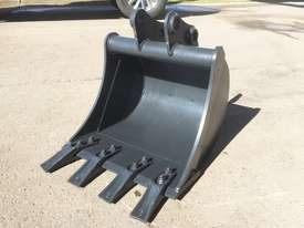 General Purpose with Teeth 450mm Bucket-GP Attachments - picture0' - Click to enlarge