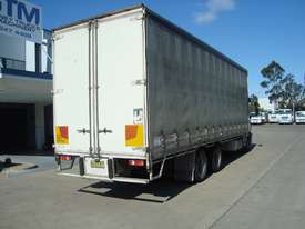 Iveco Eurocargo ML225 Curtainsider Truck - picture2' - Click to enlarge