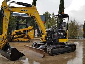 2015 YANMAR Vio45-6B MINI EXCAVATOR WITH HITCH, 3 BUCKETS, ZERO TAIL AND LOW 860 HOURS - picture0' - Click to enlarge