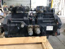 Tandem Axial Piston Pump - picture1' - Click to enlarge