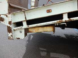 Mercedes Benz 2534 Cab chassis Truck - picture3' - Click to enlarge