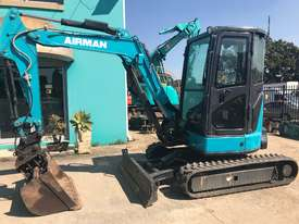 4.0 Tonne Excavator with Buckets & Ripper for HIRE - picture0' - Click to enlarge
