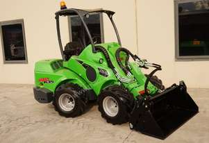 Avant 635 Mini Loader W/ 4 in 1 Bucket