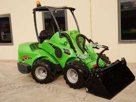 Avant 635 Mini Loader W/ 4 in 1 Bucket - picture0' - Click to enlarge