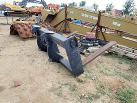 Caterpillar IT62 Fork Attachment - picture0' - Click to enlarge