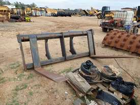 Caterpillar IT62 Fork Attachment - picture1' - Click to enlarge