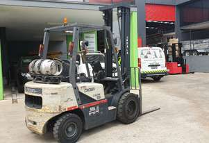 Crown 2.5t LPG Forklift with side shift