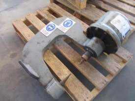 Broom&wade Rivet Machine - picture0' - Click to enlarge