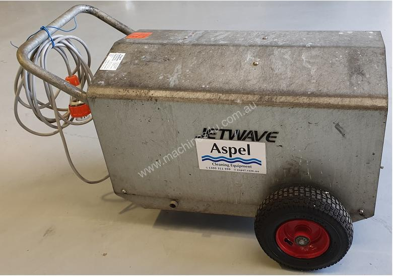 Jetwave M200 cold water 3 phase pressure cleaner