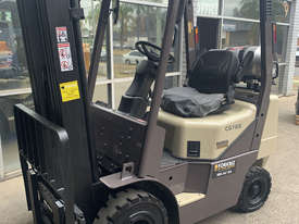CROWN CG18S LPG FORKLIFT RECENTLY PAINTED - picture2' - Click to enlarge