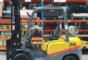 TCM 2500kg LPG Forklift with 4500mm Two Stage Mast