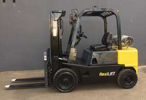 Yale GTP050RDJUA 2.5 Ton Container Mast LPG forklift - Fully Refurbished
