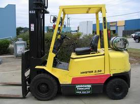 HYSTER H2.50DX LPG Forklift with 6 mtr lift  - picture0' - Click to enlarge