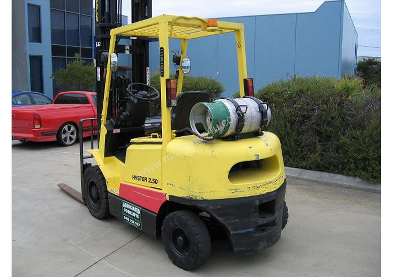 HYSTER H2.50DX LPG Forklift with 6 mtr lift