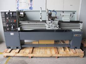 TAIWANESE 400mm SWING CENTRE LATHE, 55mm BORE - picture1' - Click to enlarge