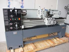 TAIWANESE 400mm SWING CENTRE LATHE, 55mm BORE
