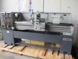 TAIWANESE 400mm SWING CENTRE LATHE, 55mm BORE - picture2' - Click to enlarge