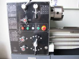 TAIWANESE 400mm SWING CENTRE LATHE, 55mm BORE - picture3' - Click to enlarge
