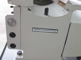 TAIWANESE 400mm SWING CENTRE LATHE, 55mm BORE - picture7' - Click to enlarge