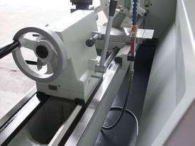 TAIWANESE 400mm SWING CENTRE LATHE, 55mm BORE - picture8' - Click to enlarge