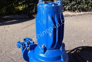 415 V Submersible Pump