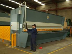 HACO HSLX GUILLOTINES - picture3' - Click to enlarge