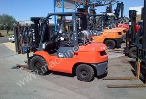 TOYOTA 42-7FG30 7 SERIES 3.0T WITH CONTAINER MAST