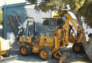 Case   560 Trenching Machine