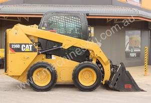 2014 CAT 236D SKID STEER LOADER