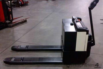Crown   20GPW2745 Pallet Mover