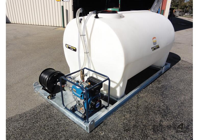 3000 LITRE SKID MOUNTED WATER TANK FIRE FIGHTER