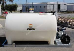 3000 LITRE SKID MOUNTED WATER TANK/ FIRE FIGHTER