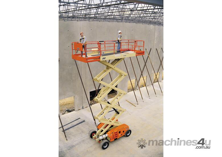JLG 330LRT Engine Powered Scissor Lifts