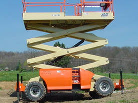 JLG 330LRT Engine Powered Scissor Lifts - picture19' - Click to enlarge