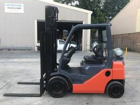 Used Toyota 8FG20 LPG forklift - picture2' - Click to enlarge