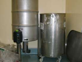 Liquid Filling Machine - picture4' - Click to enlarge