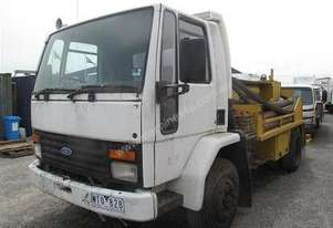concrete line pump on ford cargo 1515 truck
