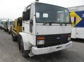 concrete line pump on ford cargo 1515 truck  - picture4' - Click to enlarge