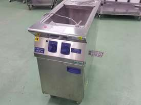 Pasta Cooker - used - picture0' - Click to enlarge