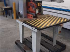 LEDA 620MM XCUT 4.5HP SAW WITH ROLLER TABLES - picture0' - Click to enlarge