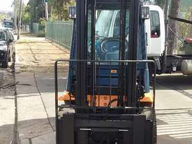 Toyota Forklift 7FG30 3 Ton 4.5m Lift Refurbished Excellent Condition - picture4' - Click to enlarge