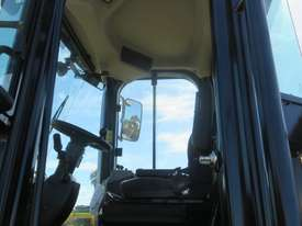 LATE MODEL CATERPILLAR 950GC WHEEL LOADER - picture11' - Click to enlarge