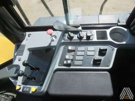 LATE MODEL CATERPILLAR 950GC WHEEL LOADER - picture14' - Click to enlarge