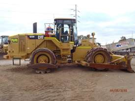 Caterpillar  Compactor Roller/Compacting - picture2' - Click to enlarge